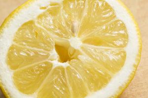 Из чего делают лимонную кислоту, и опасна ли она