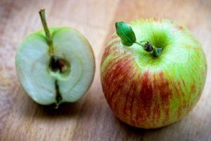 Какие витамины содержит яблоко, и чем оно полезно